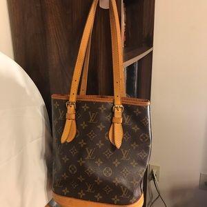 Louis Vuitton Bucket PM size